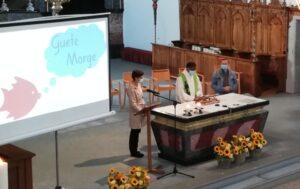 Schuleröffnungsfeier mit katholischen Elementen in der Pfarrkirche Hergiswil